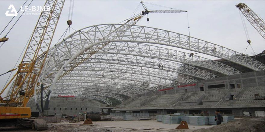 steel space truss swimming pool & diving hall