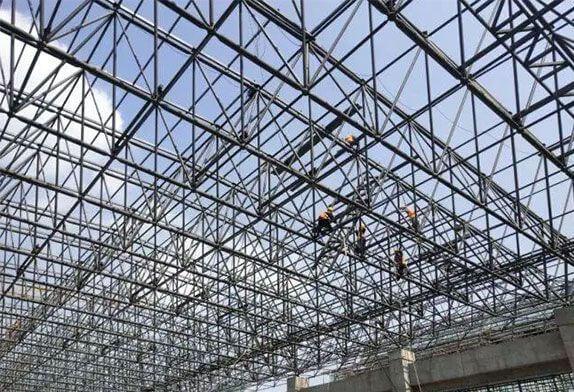 Advantages of high altitude sliding method for installation space frame