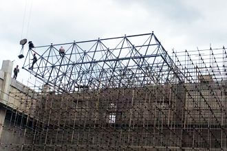 What are the installation methods of the space frame?